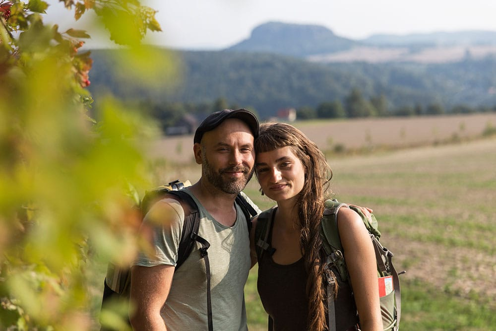 Marie und Markus beim wandern